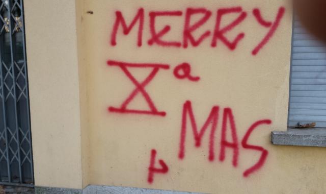 Buon Natale Fascista.Scritte Fasciste Alla Cigl La Prealpina Quotidiano Storico Di Varese Altomilanese E Vco